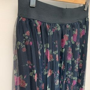 Active USA Floral Accordion Pleated Mesh Skirt